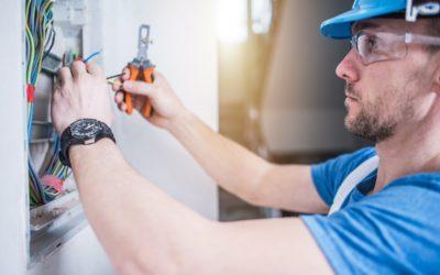 Elektrikář – údržbář budov, strojů a zařízení